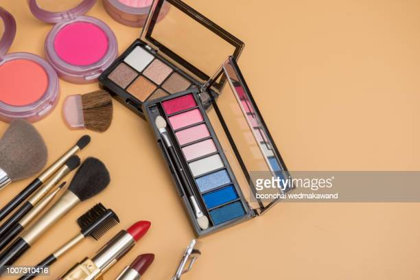 professional makeup brushes and tools, make-up products set - アイシャドウ ストックフォトと画像