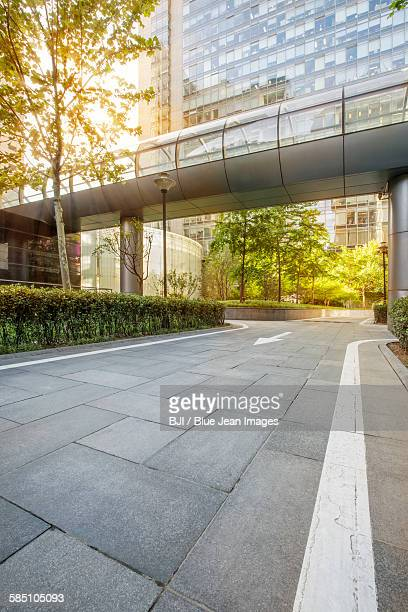 professional use auto advertising backplate - elevated walkway stock pictures, royalty-free photos & images