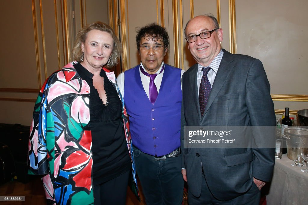 Professor Annelise Bennaceur-Griscelli, Laurent Voulzy and Professor Ali Thuran attend the 'Vaincre Le Cancer' Gala - 30th Anniversary at Cercle de l'Union Interalliee on May 17, 2017 in Paris, France.