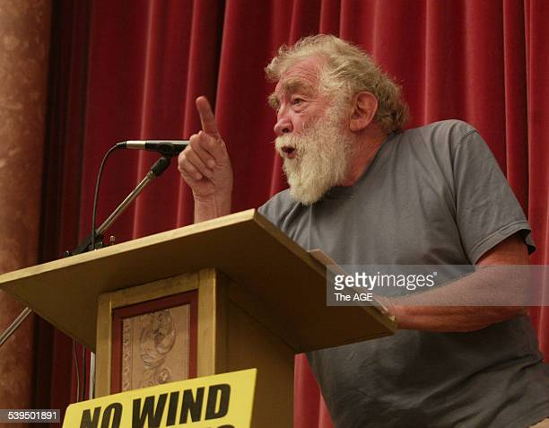 Professor David Bellamy addresses an antiwind farm meeting at Foster Town Hall Taken 29 September 2004 THE AGE NEWS Picture by MICHAEL CLAYTONJONES