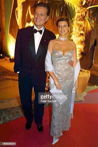 "Professor Guido Knopp, Ehefrau Gabriella, 12.Benefizgala ""Ball der Sterne"", Rosengarten, Mannheim, Motto: ""In Memorian an Hannelore Kohl"", Smoking,..."