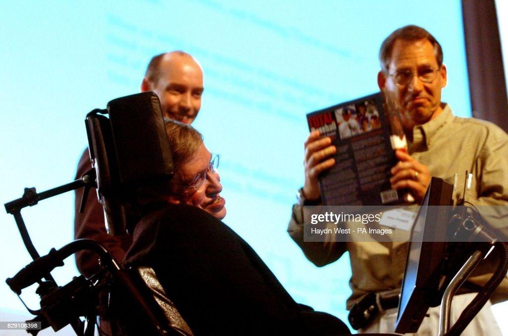 Stephen Hawking black holes : News Photo