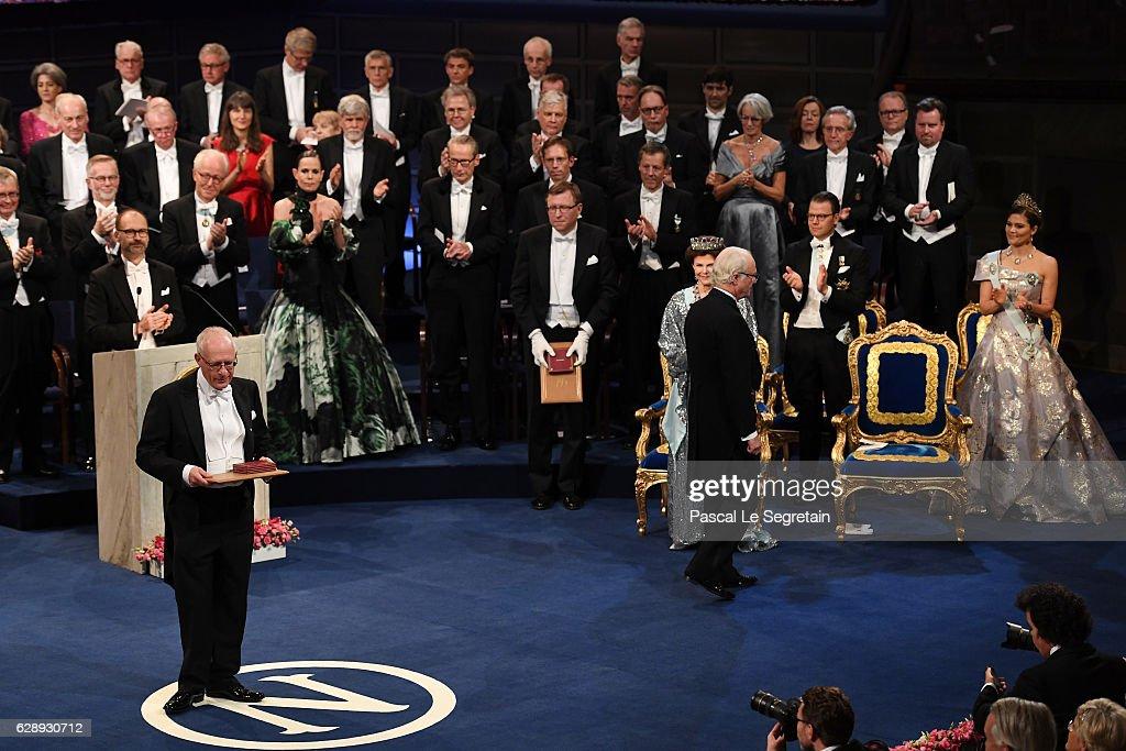 Professor Oliver Hart, laureate of the The Sveriges Riksbank Prize in Economic Sciences in Memory of Alfred Nobel acknowledges applause after he received his Nobel Prize from King Carl XVI Gustaf of Sweden during the Nobel Prize Awards Ceremony at Concert Hall on December 10, 2016 in Stockholm, Sweden.