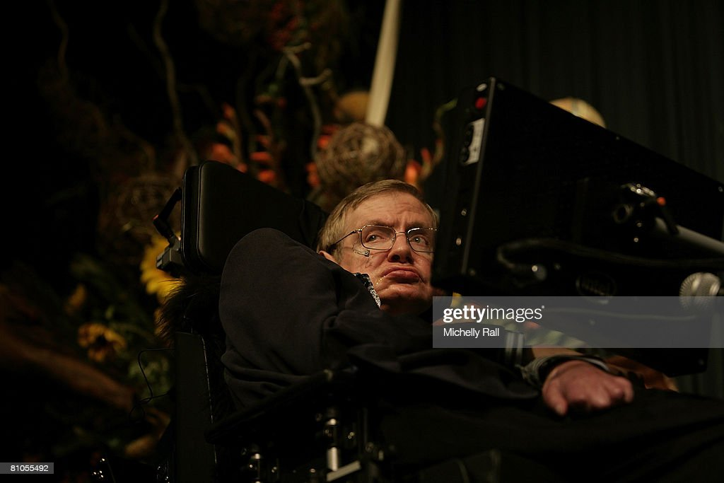 Stephen Hawking Lectures in Cape Town : News Photo