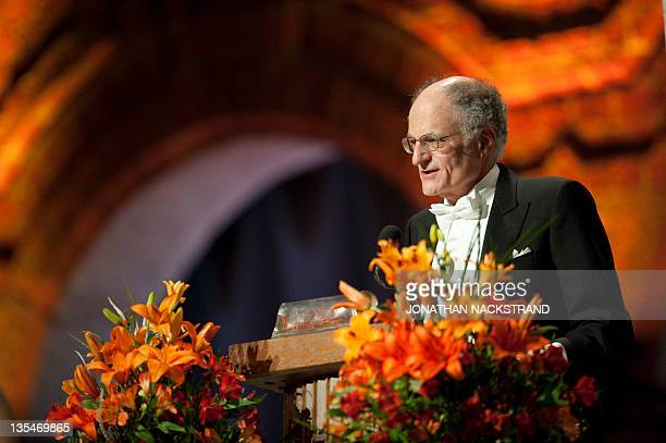 Professor Thomas Sargent of the US delivers a speech at the Nobel banquet in the Stockholm City Hall on December 10 2011 AFP PHOTO/ JONATHAN...