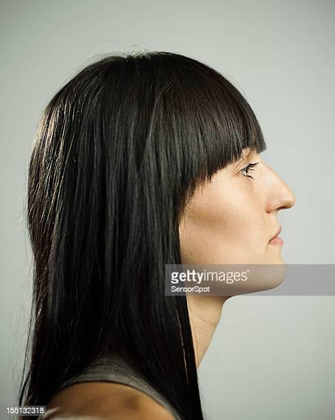 Profil d'une femme.