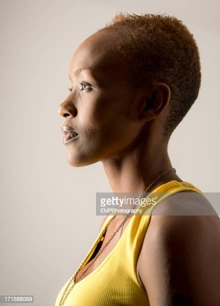 プロフィールのアフリカ系アメリカ人の女性。