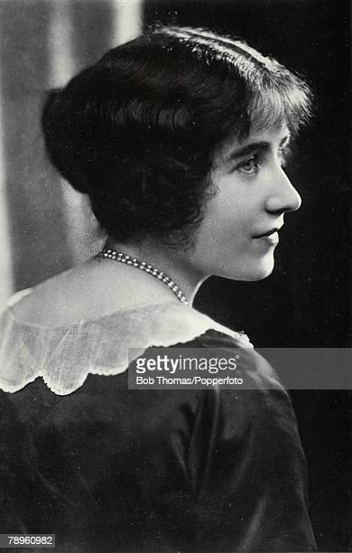 Profile picture of the Queen Mother young as Lady Elizabeth BowesLyon 1920's