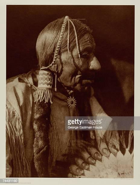 Profile portrait originally titled 'Esipermi Comanche' early 1900s