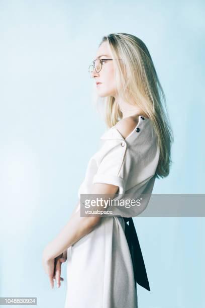 プロファイル・ビュー(profile view - 上半身 ストックフォトと画像