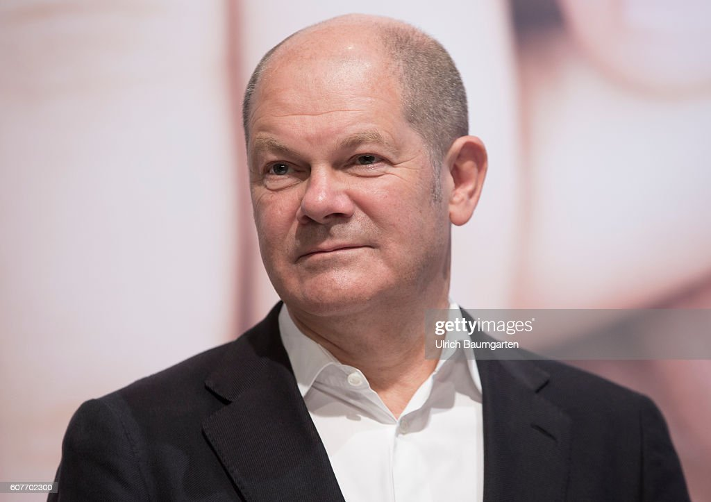 Spd Program Conference Family Olaf Scholz First Mayor Of The Free And Hanseatic City