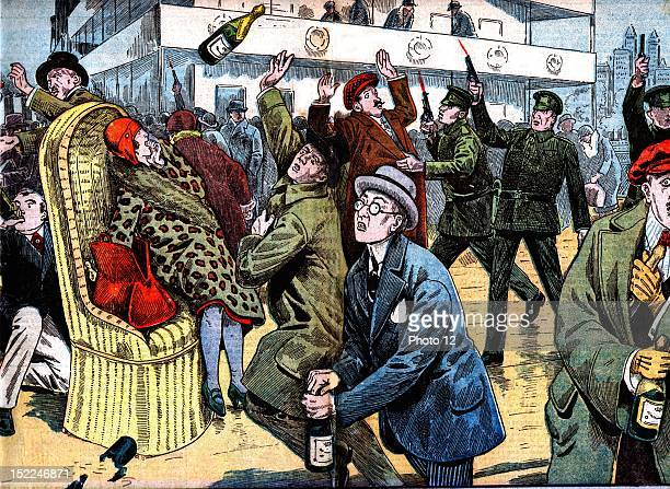 Prohibition officers catching in the act passengers of the 'Majestic' on her arrival in the New York harbour Drawing by Damblas in 'Le Pelerin' from...