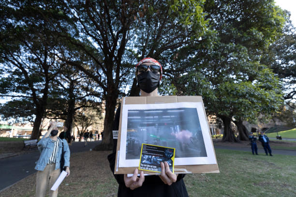 AUS: Pro-Hong Kong Demonstrators Clash With Pro-China Supporters In Sydney