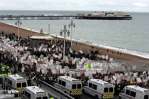 Prohunting supporters demonstrate during the third day of the Labour Party Annual Conference on September 28 2004 in Brighton England The...