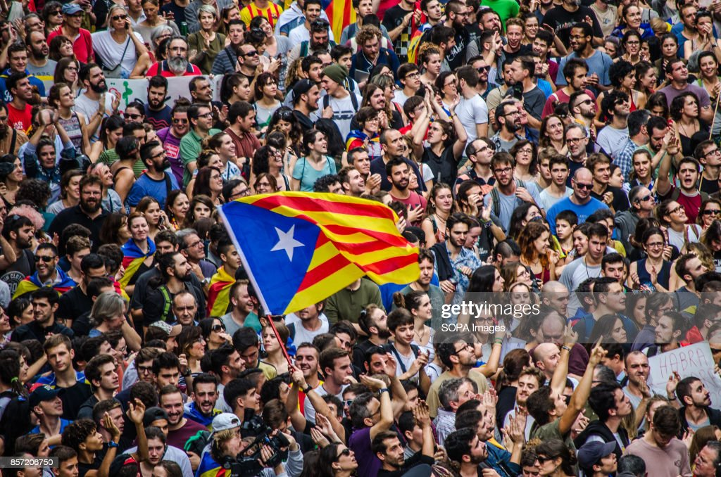A pro-independence flag from the crowd in front of the old... : News Photo