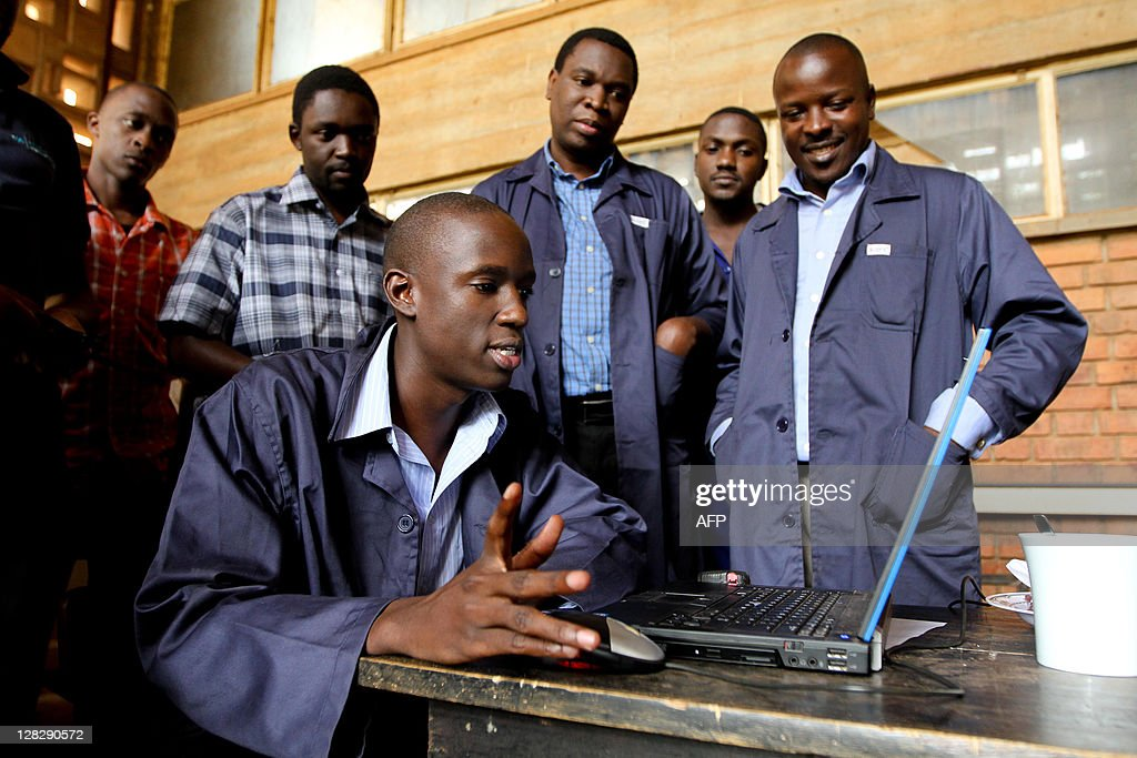 A project assistant at the Makerere Univ : News Photo