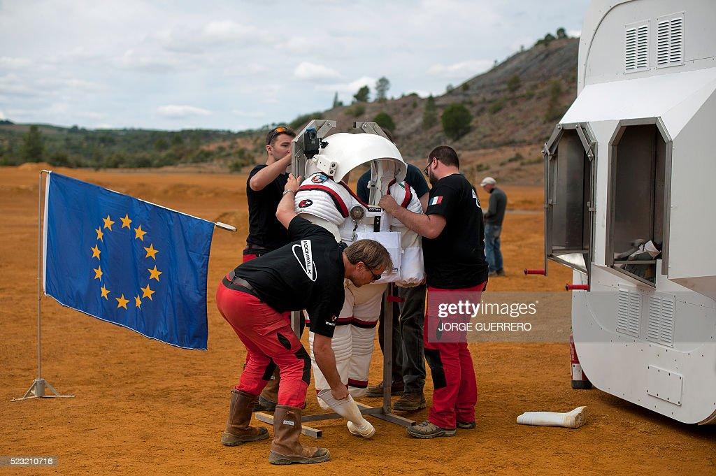 MOONWALK Project Members Remove The Gandolfi 2 Spacesuit During