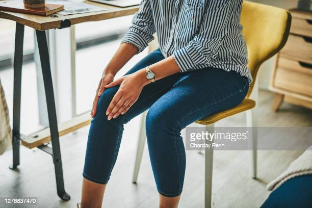 prolonged periods of sitting can cause stiffness to your joints - pain stock pictures, royalty-free photos & images