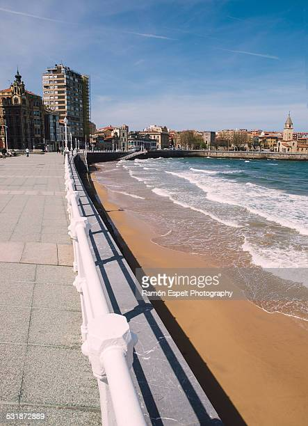 promenade in gijon city, asturias, spain. - ヒホン ストックフォトと画像