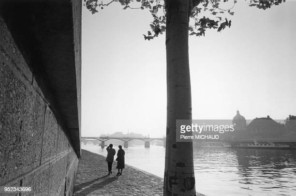 Promenade sur les quais de Seine Promenade sur les quais de Seine