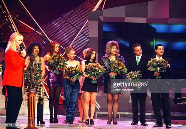 ProminentenPlaybackShow mit Linda de Mol sowie Alina Astafei Gritt Breuer Gunda Niemann Lars Riedel und Udo Quellmalz Verkleidung Blumen Sportler...