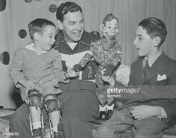 NBC promotional handout of Bob Smith and puppet Howdy Doody