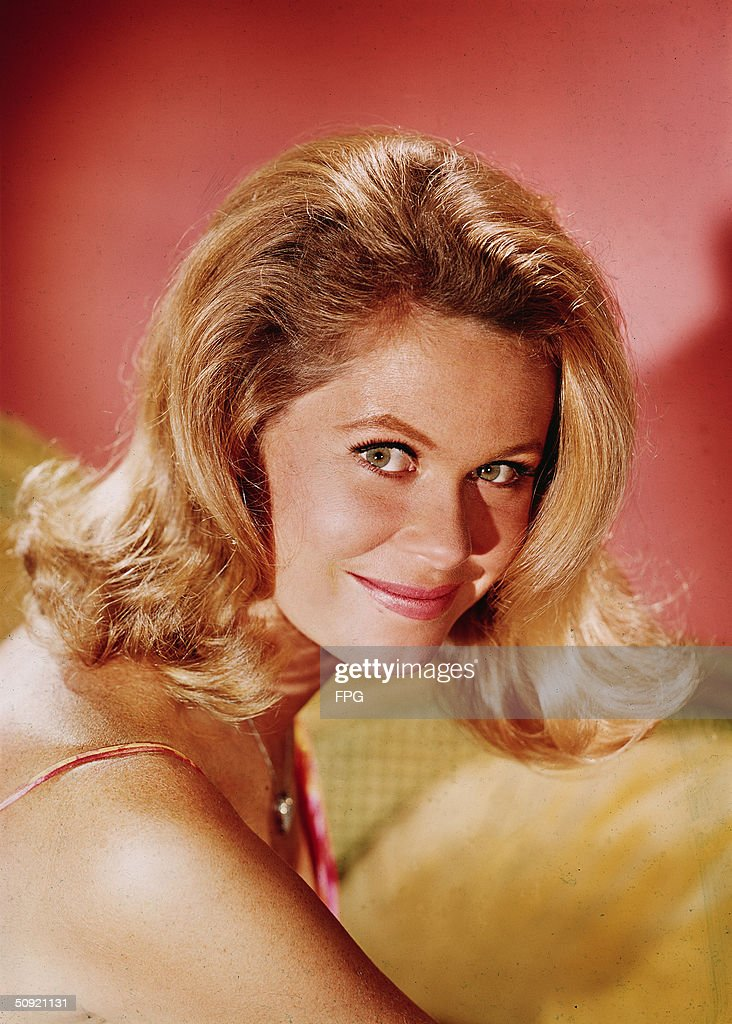 Promotional portrait of American television actress Elizabeth... News Photo  - Getty Images