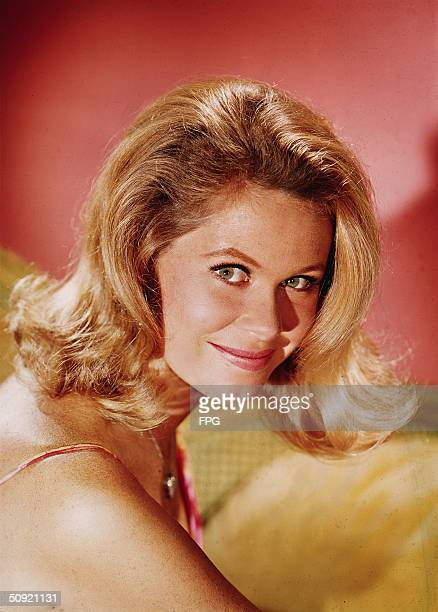 Promotional portrait of American television actress Elizabeth Montgomery in 'Bewitched' 1969 She wears a pendant and looks acrodd her shoulder