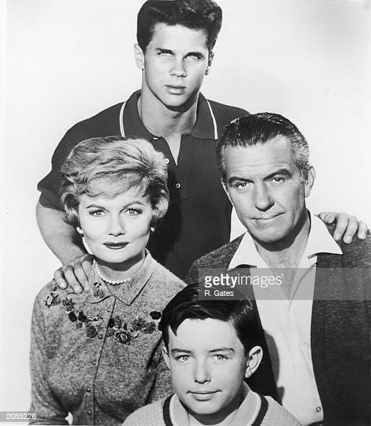 Promotional portrait of the cast of the television show 'Leave It To Beaver' circa 1959 Clockwise American actors Tony Dow Hugh Beaumont Barbara...