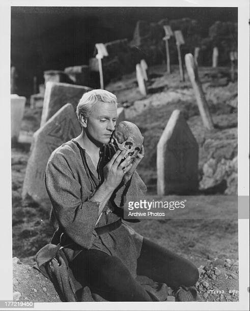 Promotional shot of actor and director Laurence Olivier as he appears in the movie 'Hamlet' 1948