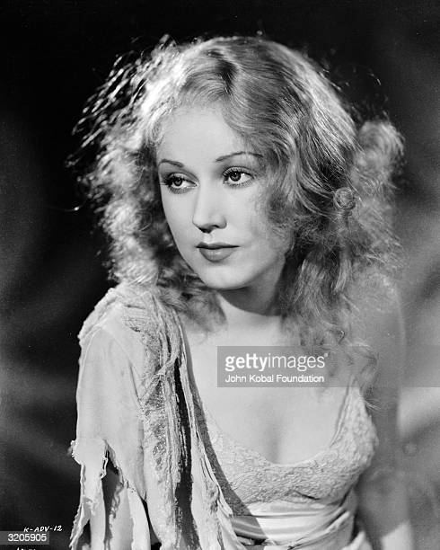 Promotional still of Canadian film star Fay Wray in a publicity shot for the film 'King Kong' in which she plays the object of the giant ape's...