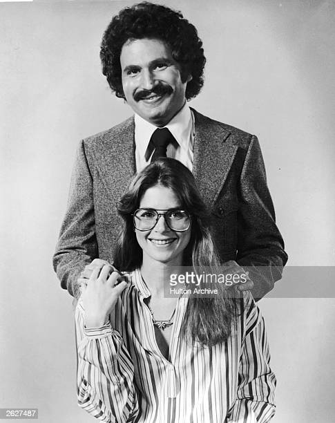 Promotional studio portrait of American actors Gabe Kaplan and Marcia Strassman from the television series 'Welcome Back Kotter' circa 1977