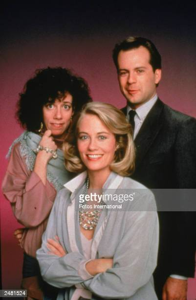 Promotional studio portrait of the cast of the television series 'Moonlighting' circa 1986 LR Allyce Beasley Cybill Shepherd and Bruce Willis