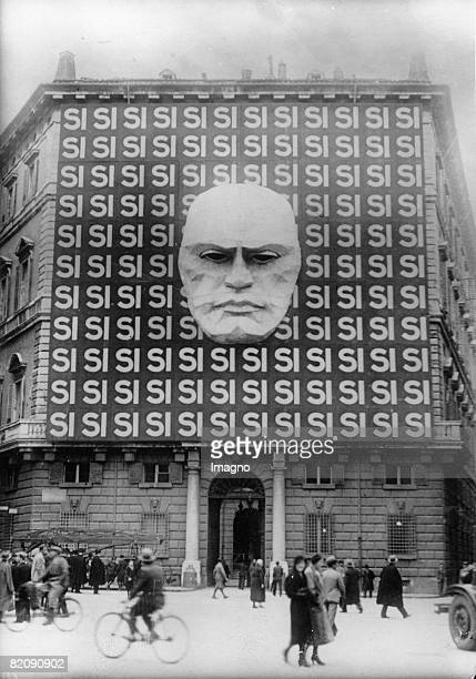 Propaganda in Rome on the facade of the Palazzo Braschi in Rome Photograph03 1934 [berdimensionale Wahlpropaganda an der Fassade des Palazzos Braschi...