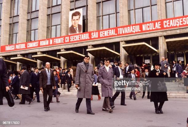 Propagande à la gloire de Nicolae Ceausescu le 22 novembre 1989 à Bucarest Roumanie