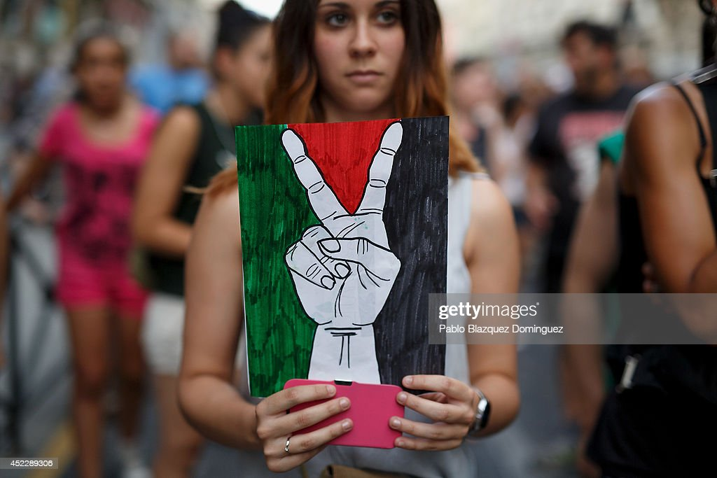 Pro Palestinian Demonstrations Are Held Throughout Europe : News Photo