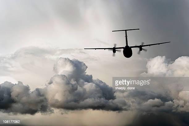 Propellerflugzeug fliegen storm