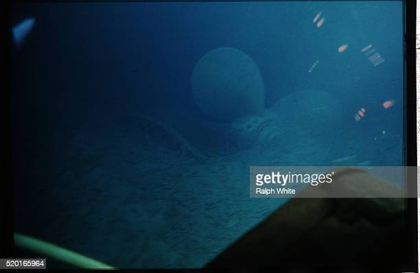 propeller of the titanic - titanic stock pictures, royalty-free photos & images