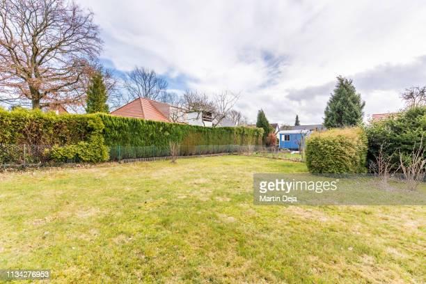 property hdr - hausgarten stock-fotos und bilder