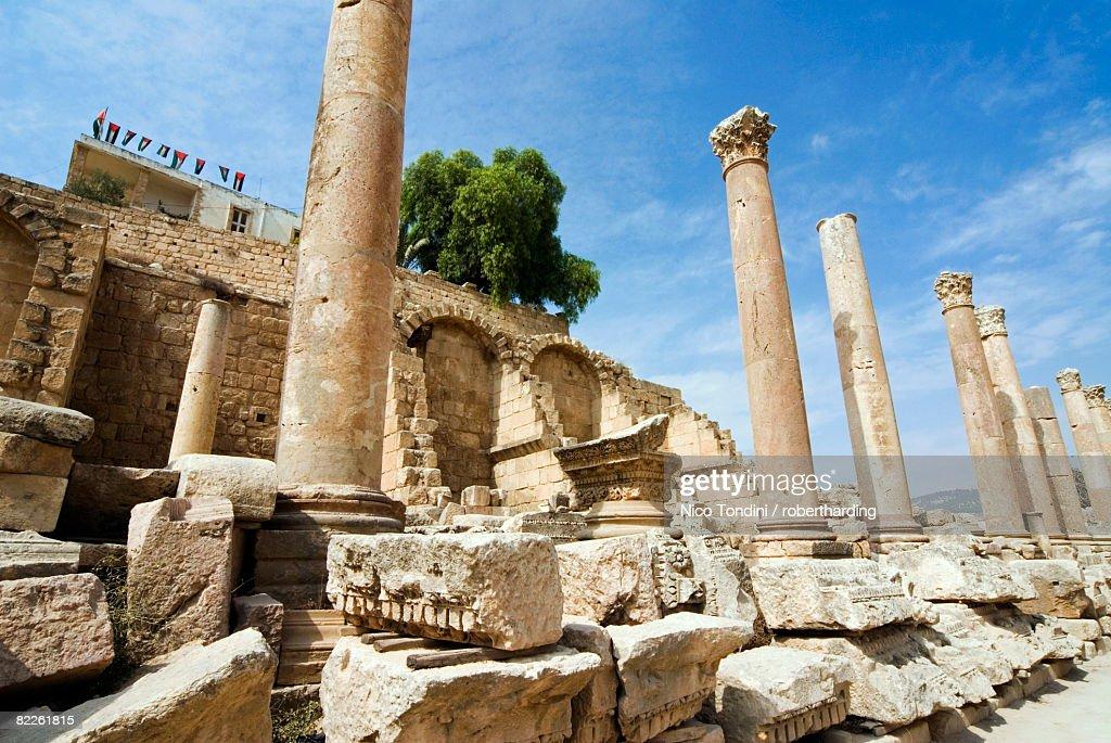 Propilaeum, Jerash (Gerasa) a Roman Decapolis city, Jordan, Middle East : Stock Photo