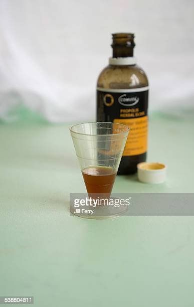 Propolis Manuka honey and echinacea herbal elixir which helps relieve cold symptoms
