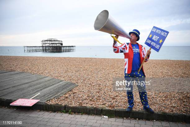 Proremain campaigner Steve Bray protests on Brighton Beach on Day 2 of the Labour Party conference on September 22 2019 in Brighton England