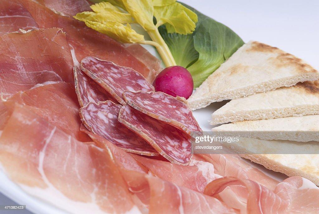 Prosciutto y salami : Foto de stock