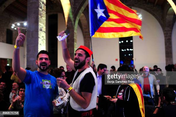 Prosecessiont supporters react to the election results during a Catalan National Assembly gathering on December 21 2017 in Barcelona Spain Catalan...