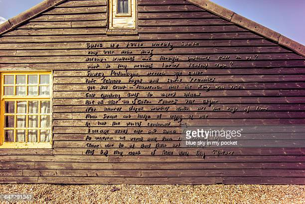 prospect cottage,  derek jarman's garden - dungeness stock pictures, royalty-free photos & images