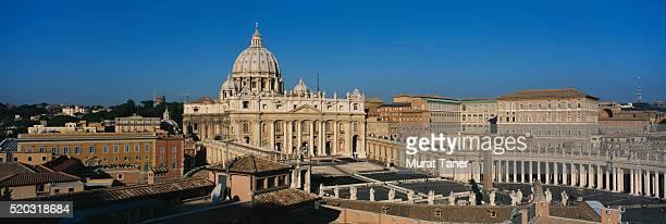 prospect to ponte vittorio emanuele ii. and st. peter's cathedrahle at night, rome - basilica di san pietro foto e immagini stock