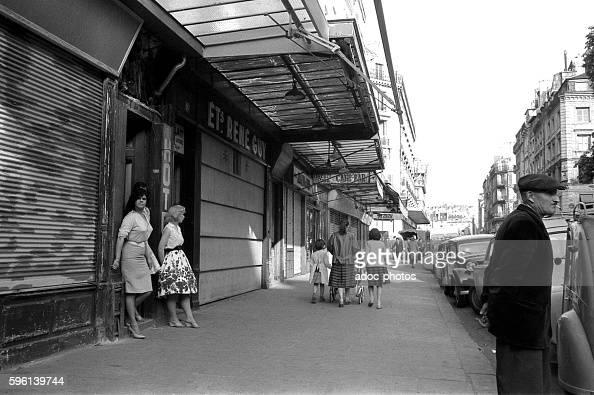 Prostitution in the saint denis district in paris france for Salon prostitution paris