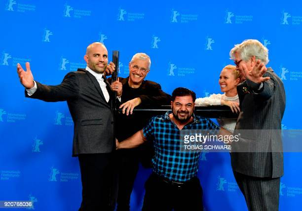 Protagonist German strongman competitor strength athlete and former bodybuilder Patrik Baboumian lifts film team on his shoulders protagonist former...