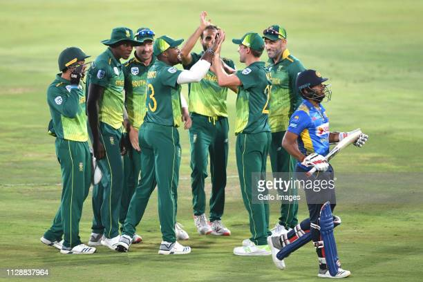 Proteas celebrate the run out of Kusal Mendis of Sri Lanka during the 2nd Momentum ODI match between South Africa and Sri Lanka at SuperSport Park on...