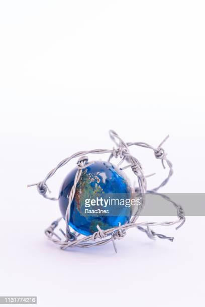 protect the earth - klimaschutz stock-fotos und bilder